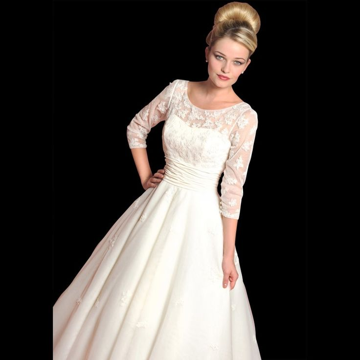 short retro wedding dresses uk%0A Loulou Dahlia Vintage Style Tea Length Wedding Dress With Sleeves size