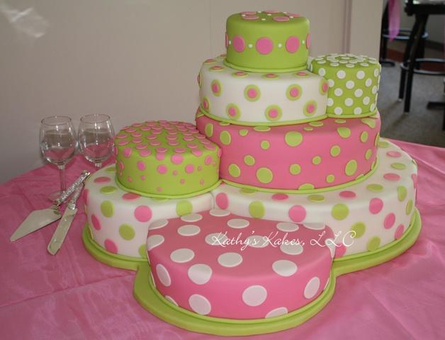 wedding cake-love the polka dots