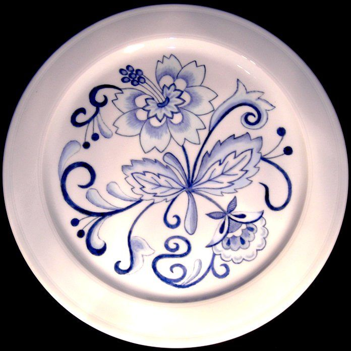 Delft inspired plate 1 by Jean Colbear