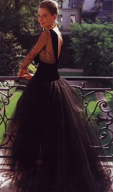 TREND: Back to black. 'Audrey Hepburn looks stunning in this #black gown.'