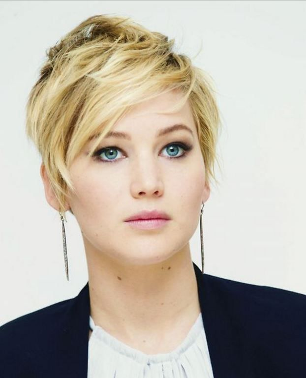 Jennifer lawrence şahane pixie sarı saç renkleri