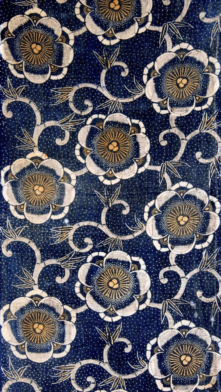Gorgeous pattern...love the rich indigo blue.