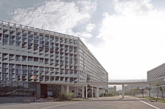 Administrative Office Building of South University Of Science And Technology Of China / Zhubo Design Zstudio | ArchDaily