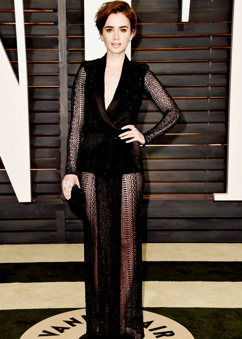 Lily Collins attends the 2015 Vanity Fair Oscar Party hosted by Graydon Carter at the Wallis Annenberg Center for the Performing Arts on February 22, 2015 in Beverly Hills, California
