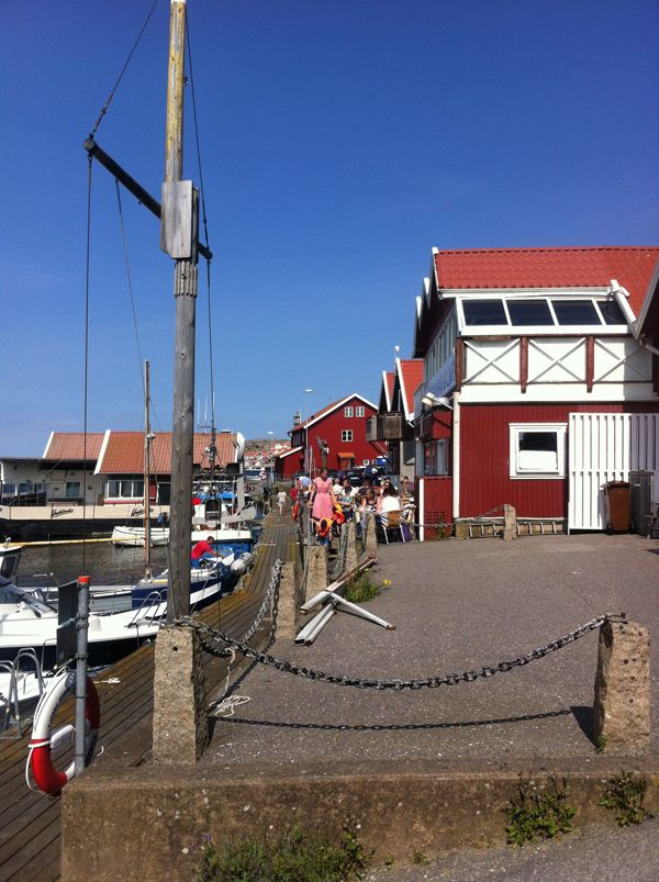CLICK ON THE IMAGE LINK ABOVE - TO SE ALL OF THIS AMAZING SWEDISH ISLAND TO TRAVEL http://inredningsvis.se/restips-bohuslan-skarhamn-for-livsnjutare/  #travel #sweden #bohuslän #tjörn #skärhamn #restaurang #båtar