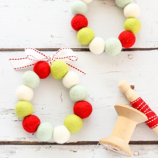 Create An Easy To Make Felt Ball Wreath This Holiday