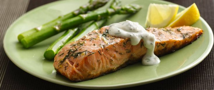 Looking for a great way to serve salmon? Lemon and dill are a great pair in the marinade and in the creamy yogurt sauce.