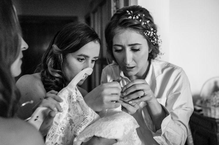 Hustle and bustle during the getting ready.  #weddingdress #brautkleid #gettingready #wedding #hochzeit #weddingphotography #hochzeitsfotos #hochzeitsbilder #bride #braut  #itsalrightma