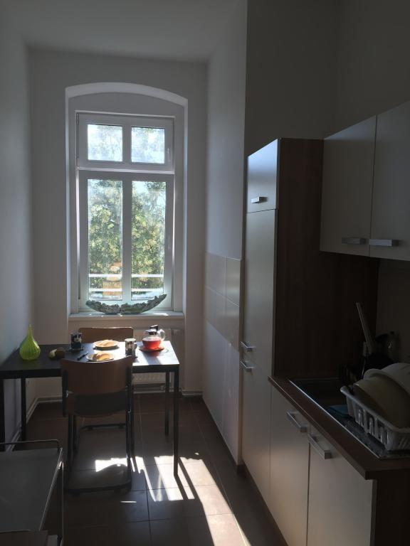 Kche In Berlin Prenzlauer Berg Schnem Renoviertem Altbau Mit Hohen Decken Und Fenstern Wohnen