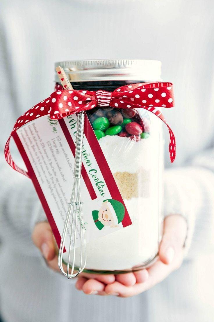 Mason Jar Gift: M&M Christmas Cookies (Free Printable)   Chelsea's Messy Apron   Bloglovin'