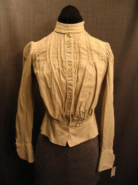 09017248 Blouse 1900's cream cotton, B32 W28.JPG 450×600 pixels