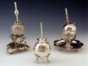 WSH loves the exquisite work of Argentinian silversmith Marcelo Toledo. Here the silver mates sent as the argentinean official gifts for William and Kate royal wedding.