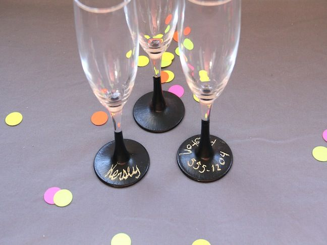I want some of these, except where the guests write their own name on the stem/base, or whatever they want.