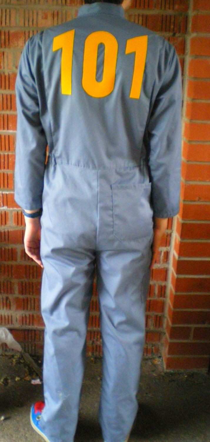 Not Defteri: Vault 101 inspired jumpsuit from Fallout 3.