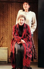 Elizabeth Wilson, Tony Winner With a Foot in Hollywood, Dies at 94 - NYTimes.com