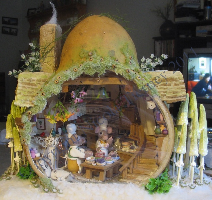 My World miniature houses created out of gourds. How cute is that!!
