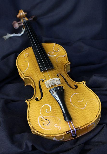 stradivarius wallpaper - photo #37