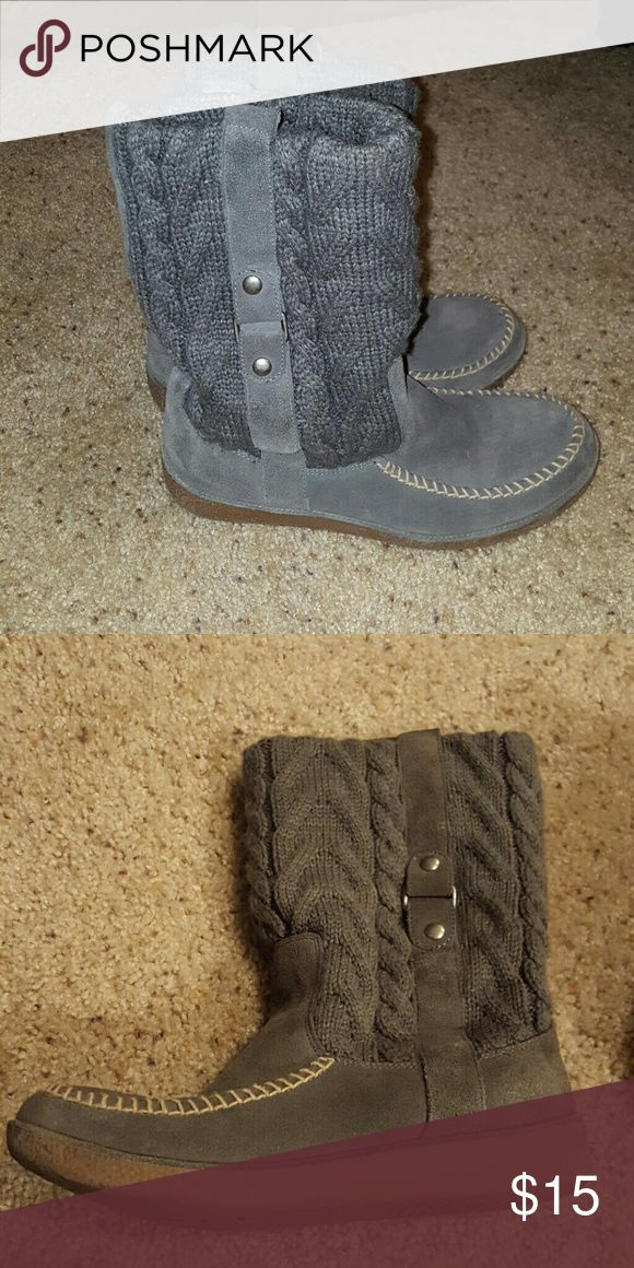 American Eagle Outfitters Boots Gray American Eagle Outfitters boots. Top part is a sweater material. Smoke free home. Great condition. American Eagle Outfitters Shoes Winter & Rain Boots