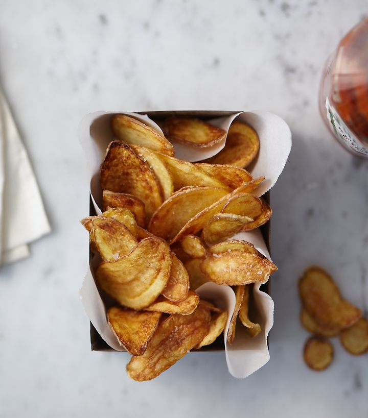 chips... naturally gluten-freePotatoes Chips, Vegan Recipe, Homemade Chips, Crispy Potatoes, Food, French Fries, Chips Recipe, Homemade Potatoes, Drinks
