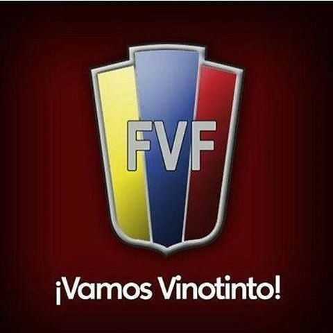 Con la pasión y emoción del deporte Rey del Mundo apoyo la #Vinotinto en la #CopaAmericaCentenario  #SomosVinotinto #SomosVenezuela #Futbol #Soccer
