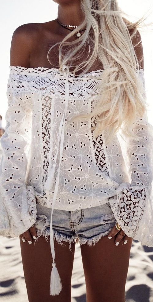 Outfit by @gypsylovinlight My obsession with white lace tops continues ✨ wearing @sundaysthelabel ✨ Check out there sale today too! @bobbybense #sundaysthelabel #summeroflove