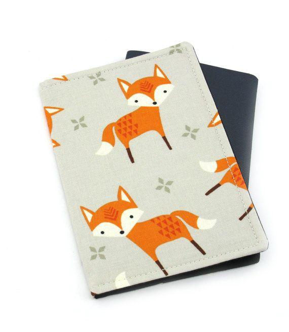 Couverture de renard sur passeport gris clair, porte-passeport, passeport, passeport, voyage cadeau