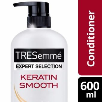 TRESEMME HAIR CONDITIONER KERATIN SMOOTH 600ML  Silky-smooth, gorgeous hair has never been easier to achieve. The TRESemmé Keratin Smooth Conditioner transforms your hair, into luscious frizz-free locks that's gorgeously sleek, smooth and easy to style.  The TRESemme Keratin Smooth Conditioner gives you an instantly smoother style & frizz control that lasts for up to 48 hours. This product prides it new lower sulfate system which nourishes hair and infuses keratin from root to tip. This…