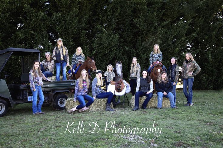 Wilsonville High School Equestrian team 2015.  Photo by Kelli D Photography www.Facebook.comkellidphotos