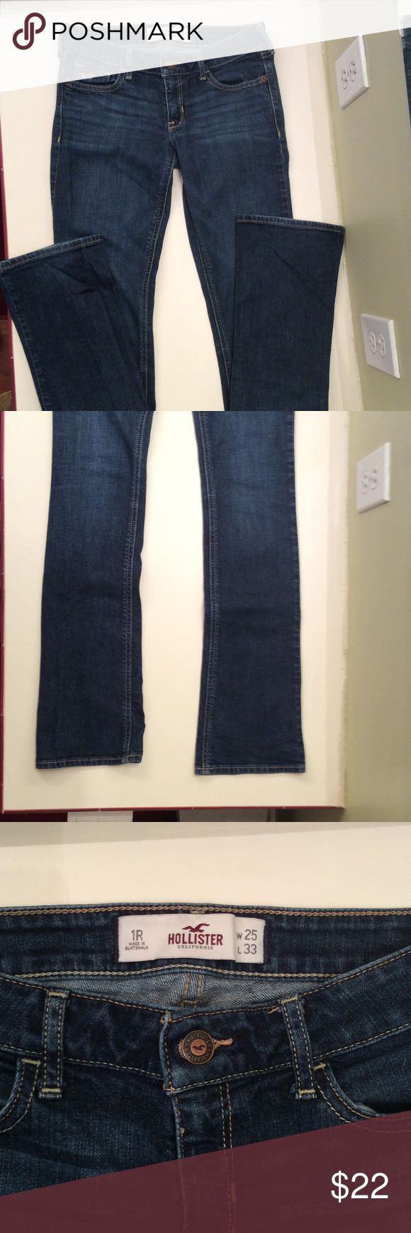 Hollister boot cut jeans Hollister boot cut jeans in great shape. Waist size 25 length is 33. Hollister Jeans Boot Cut