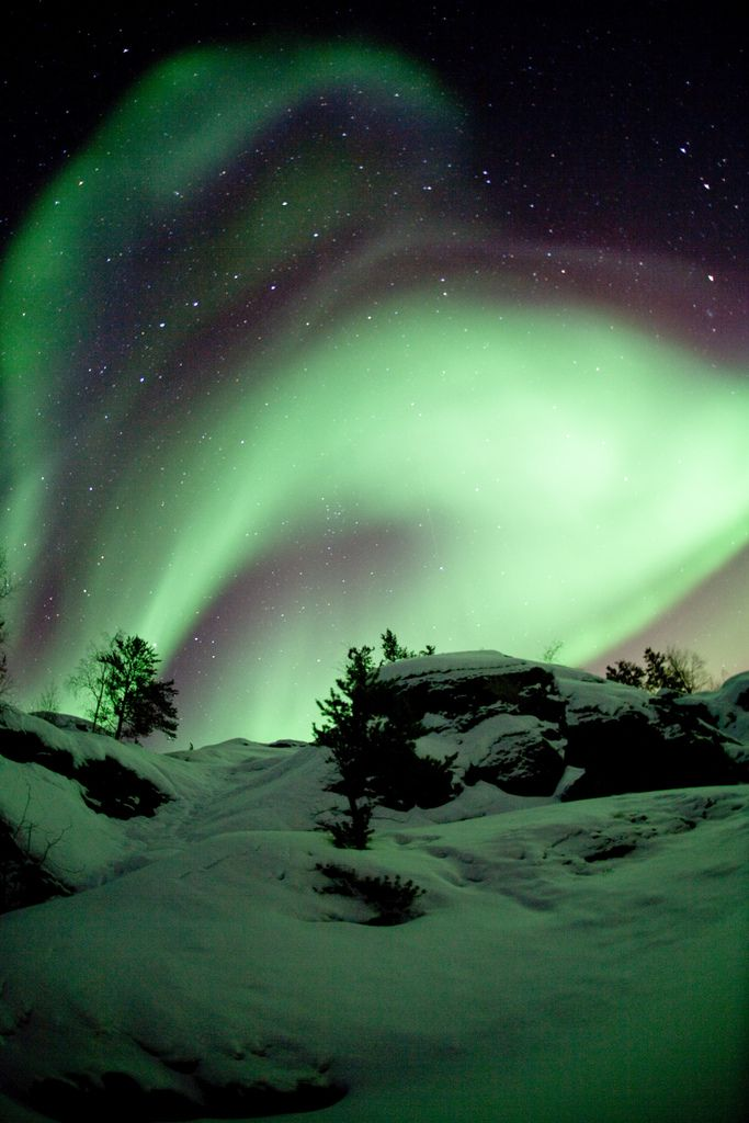 Phenomenal photo by Dave Brosha taken near Yellowknife, Northwest Territories, Canada