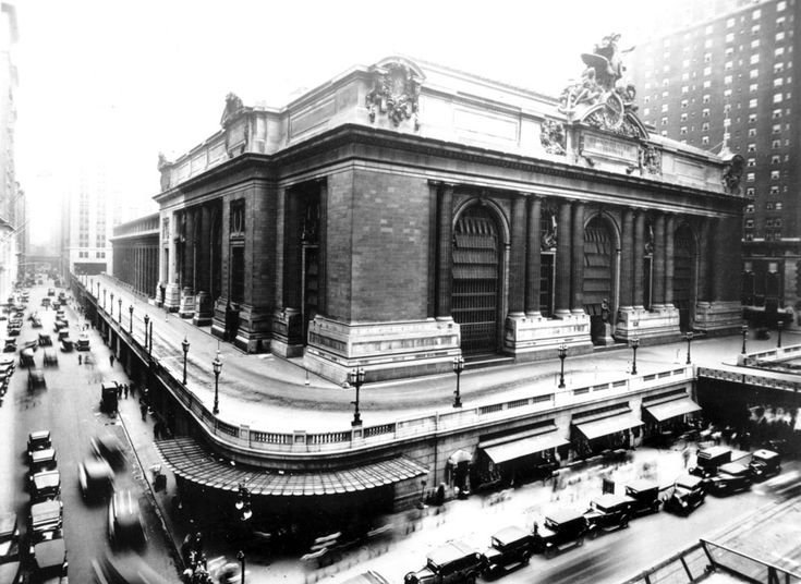 Grand Central Terminal At E 42nd St And Vanderbilt Ave In New York