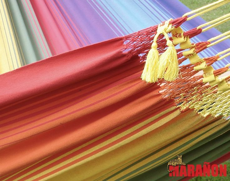 Hangmat van Marañon in rgeneboog kleur. Deze hangmatten zijn extra sterk en zeer comfortabel!