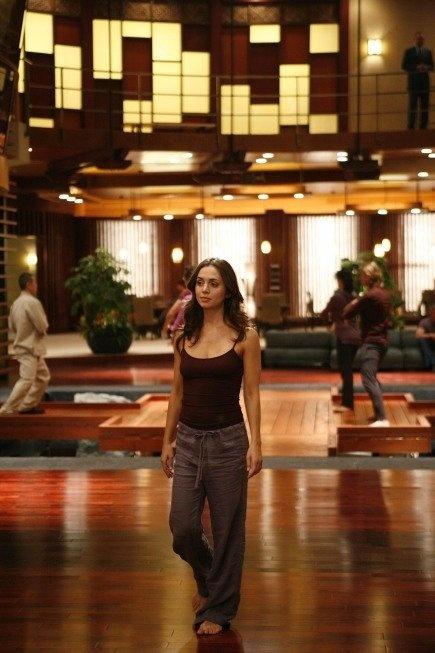 Eliza Dushku (Echo/Caroline Farrell)   inside the dollhouse