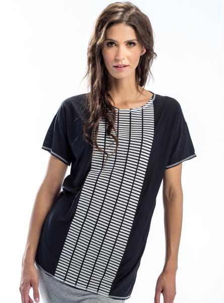 #mapepina #czarna #bluzka z graficzną aplikację w kolorze białym; #blouse #black #gray #fashionproject #fashion #modern #active #women #streetstyle #styl #ubranie #ciuchy #stylizacja #nowe #warszawa #cute #schön #bluse #blúzka #halenka #chemisier #blus