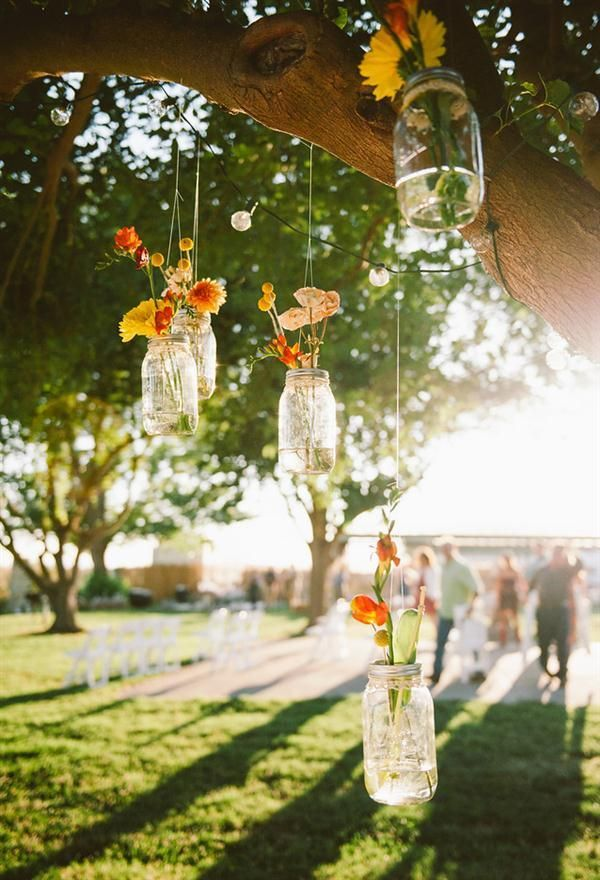 Hanging mason jars, a classic done with a quaint elegance here.  Thanks SMP!  Photography By / http://custockphotography.com