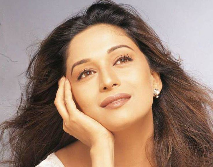 Madhuri Dixit Picture Gallery Madhuri Dixit Wallpapers Pictures Images Stills Most Beautiful Bollywood Actress Madhuri Dixit Beautiful Bollywood Actress