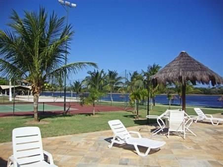 Guarajuba Terreno - Excelentes lotes com 556m2  vista para o lago em condominio  fechado com total estrutura de lazer  próximo das mais belas praias da Linha Verde.,,
