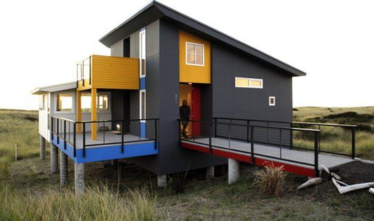 Exterior Color: Modern Facades:  Modern Oceanside Seattle Retreat, by Castanes Architects.