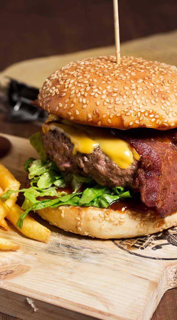 Cantina '86 Italian Bistrò - AMERICAN BURGER (Hamburger di manzo italiano 240g, cheddar, crispy bacon, cipolle caramellate,lattuga)