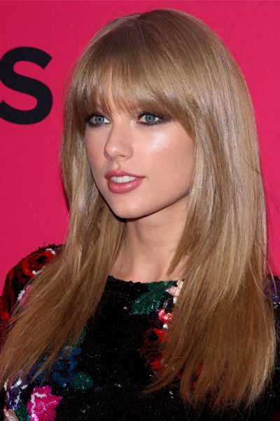 10 Ultra-Flattering Long Layer Hairstyles: Taylor Swift