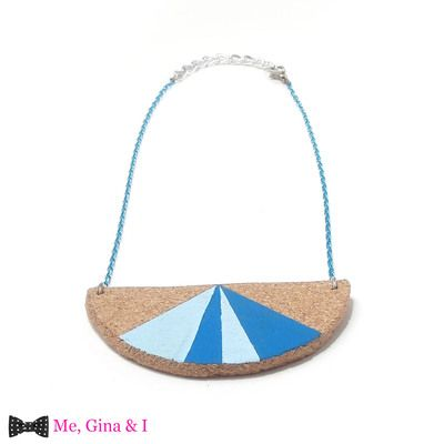Blue semicircle short necklace made of cork.