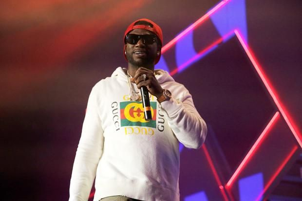"""Gucci Mane Previews New Song """"Bipolar"""" Check out a preview of an upcoming Gucci Mane & Migos collab called """"Bipolar.""""https://www.hotnewhiphop.com/gucci-mane-previews-new-song-bipolar-news.4... http://drwong.live/article/gucci-mane-previews-new-song-bipolar-news-45277-html/"""