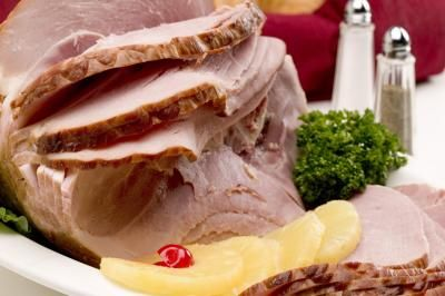 How To Bake A Precooked Spiral Sliced Ham | LIVESTRONG.COM