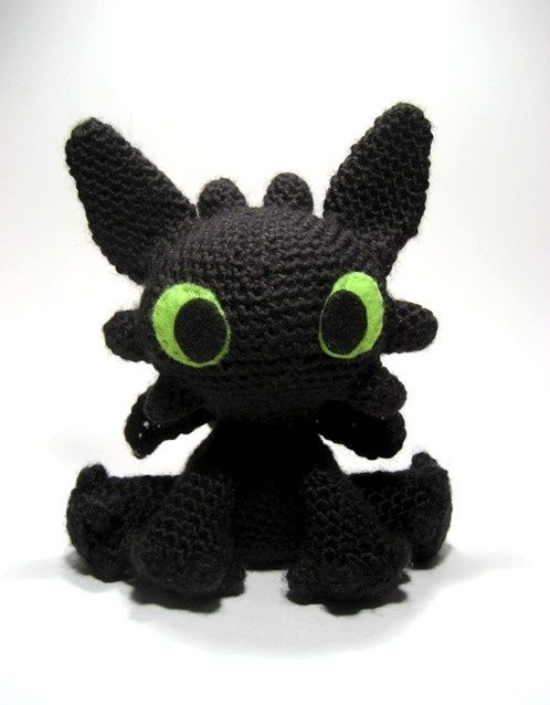 Toothless, I want someone to crochet this for me please :D this is tooooo cute!  i loooove this!