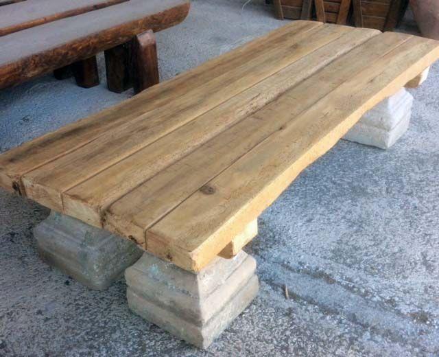Mesa elaborada con tableros recuperados y basas de piedra - Tableros de madera para exterior ...