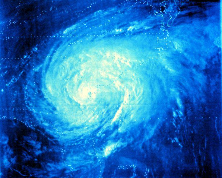 File:Hurricane david 1979.jpg - Wikimedia Commons