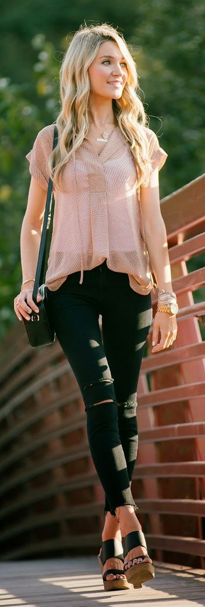 Classic top with ripped skinnies jeans | Summer st...