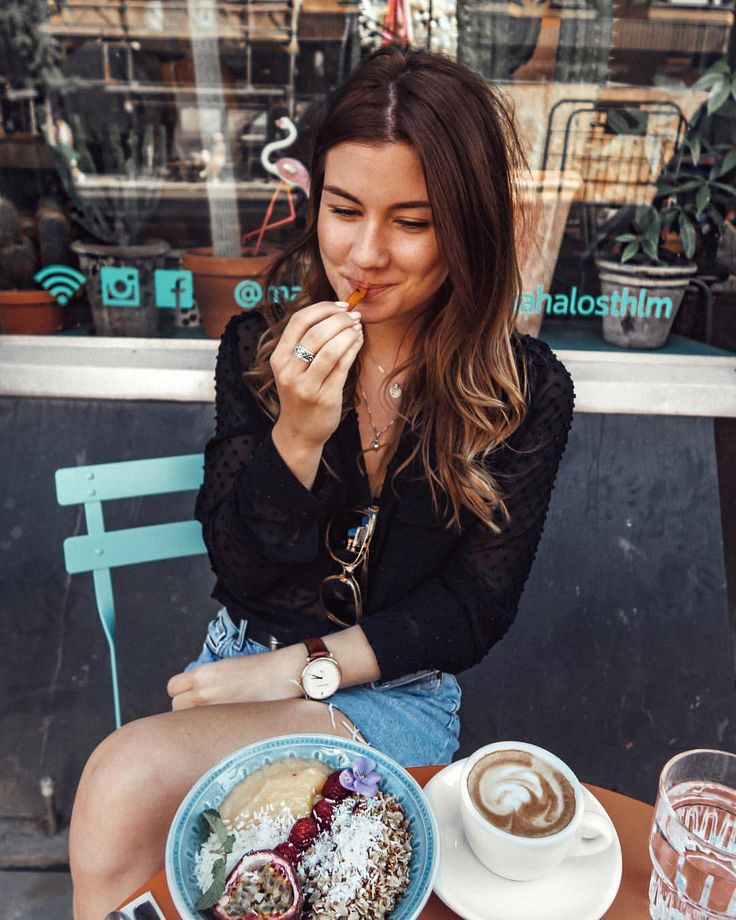 "889 Likes, 26 Comments - Nina Alina den Ruijter 🇳🇱🇵🇱 (@nina.alina) on Instagram: ""Priorities first 🍟 🤷🏻♀️ #todaysfood #healthy #fries #lunch #food"""