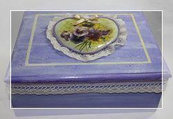 Scatola shabby style per la festa della mamma di Roberta Marone – Découpage pittorico  http://www.lcdm.it