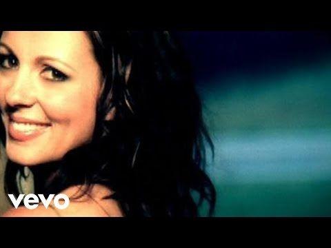 Sara Evans - Suds In The Bucket - YouTube